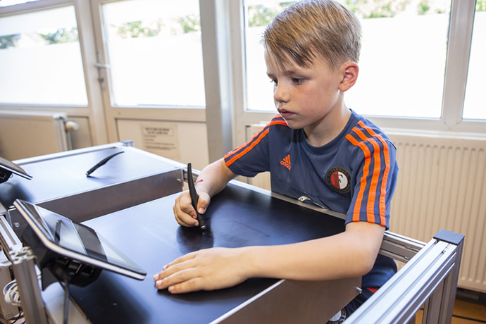 There's more than one way to teach a child how to write