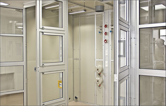 Work cabins for making pharmaceutical production safe