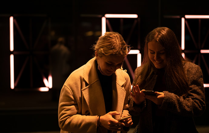 Interactive light installation – personal messages at the touch of a button